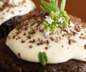 Perché i grandi pasticceri usano le erbe aromatiche anche per i dolci?